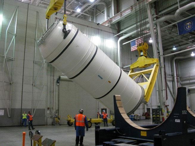 Beş kısımdan oluşan QM-1'ın yerleştirilen son parçası. [Alliant Techsystems]