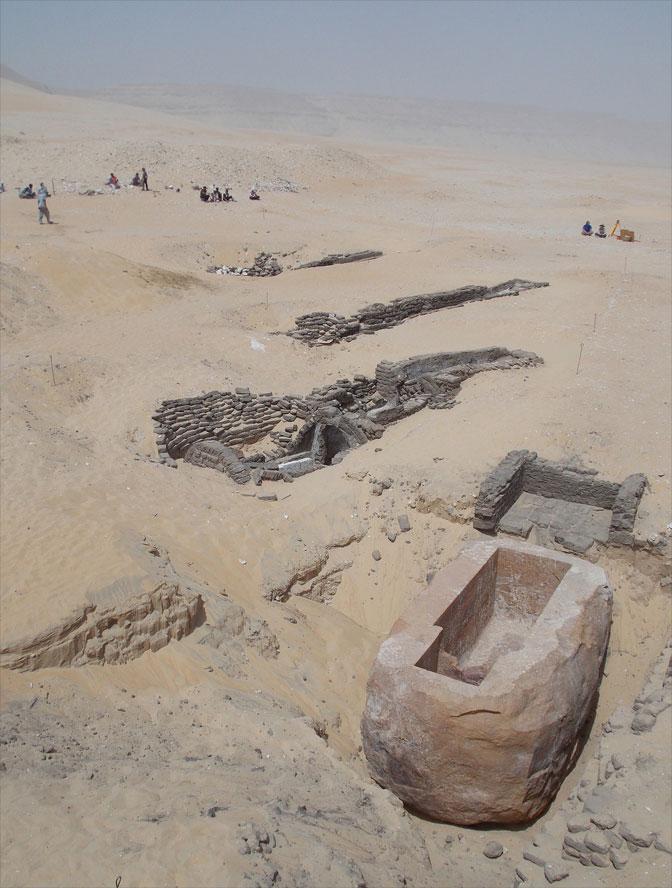 Senebkay'ın da yer aldığı mezarlık alanın M.Ö 1780'de 13'üncü Hanedanlık Dönemi'nde yaşamış Firavun Sobekhotep adına yapıldığı düşünülüyor. [Josef Wegner]