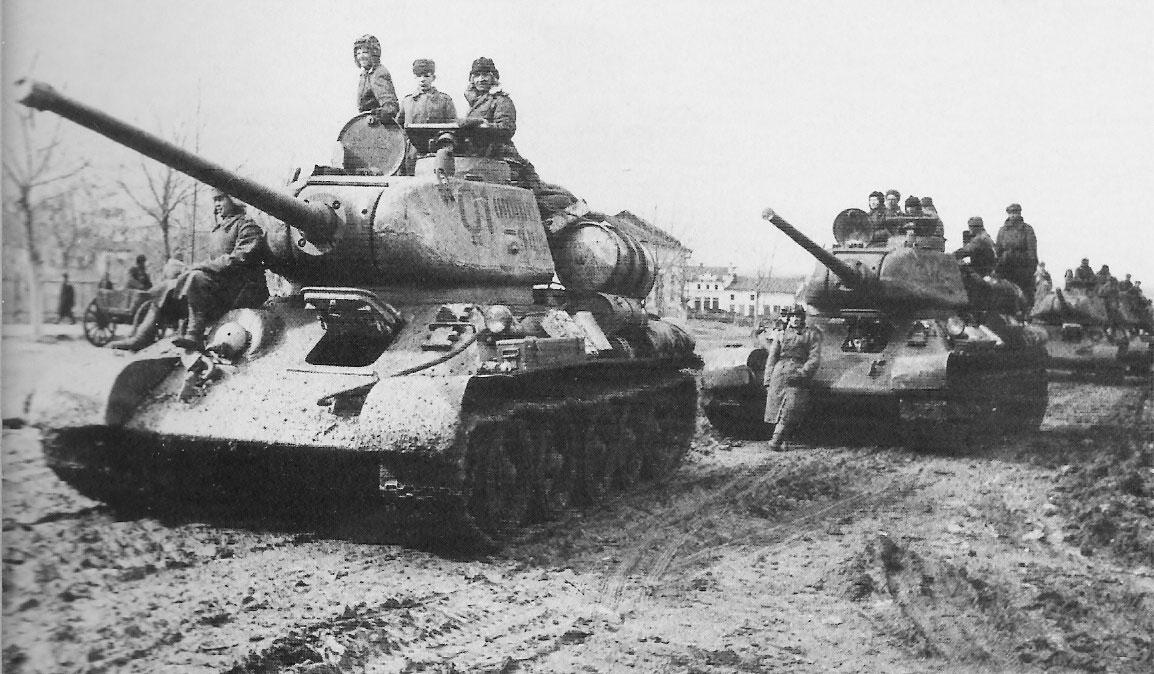 T34-85, Doğu Cephesi'nde büyük rol oynadı. [Wikipedia]