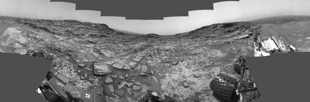 Curiosity'nin Sol 1000'de çektiği panorama. [NASA]