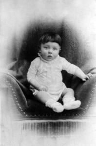 Bebek Adolf Hitler. [Wikipedia]