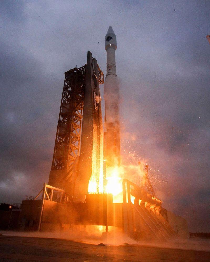 Atlas V roketinin ateşlenme anı. [ULA]
