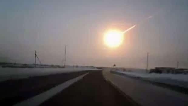 Çelyabinsk meteorunun patlama anı.