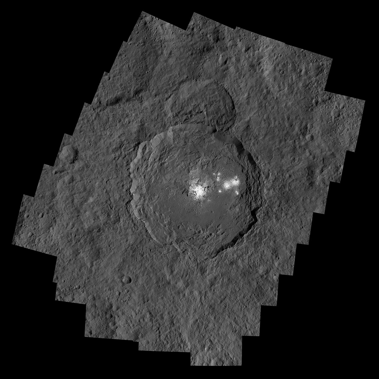 Occator Krateri. [NASA/JPL-Caltech/UCLA/MPS/DLR/IDA/PSI]