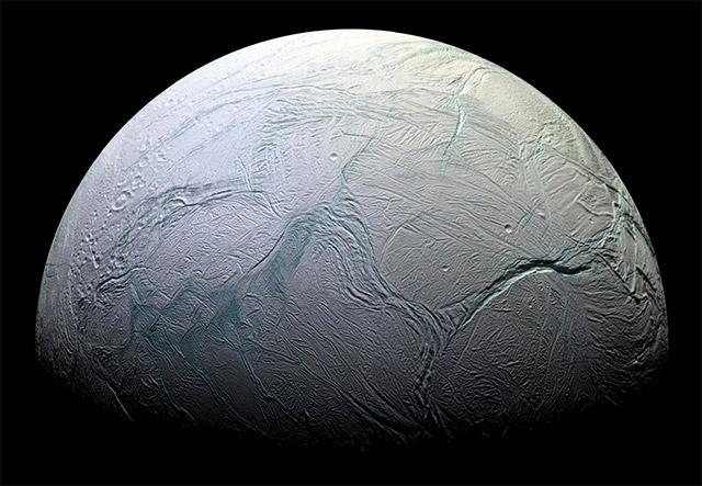 Titan. [NASA/ESA]