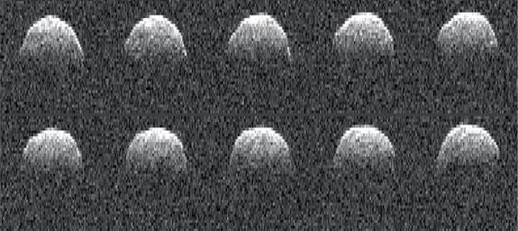 California'daki Derin Uzay Ağı antenleri tarafından indirilen Bennu'nun 1999'daki radar görüntüsü. [NASA/JPL-Caltech]