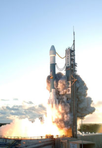 Parçaları iki kadının üzerine düşen Delta II roketi, Dawn uzay aracını ateşlemek için de kullanıldı. [Wikipedia]