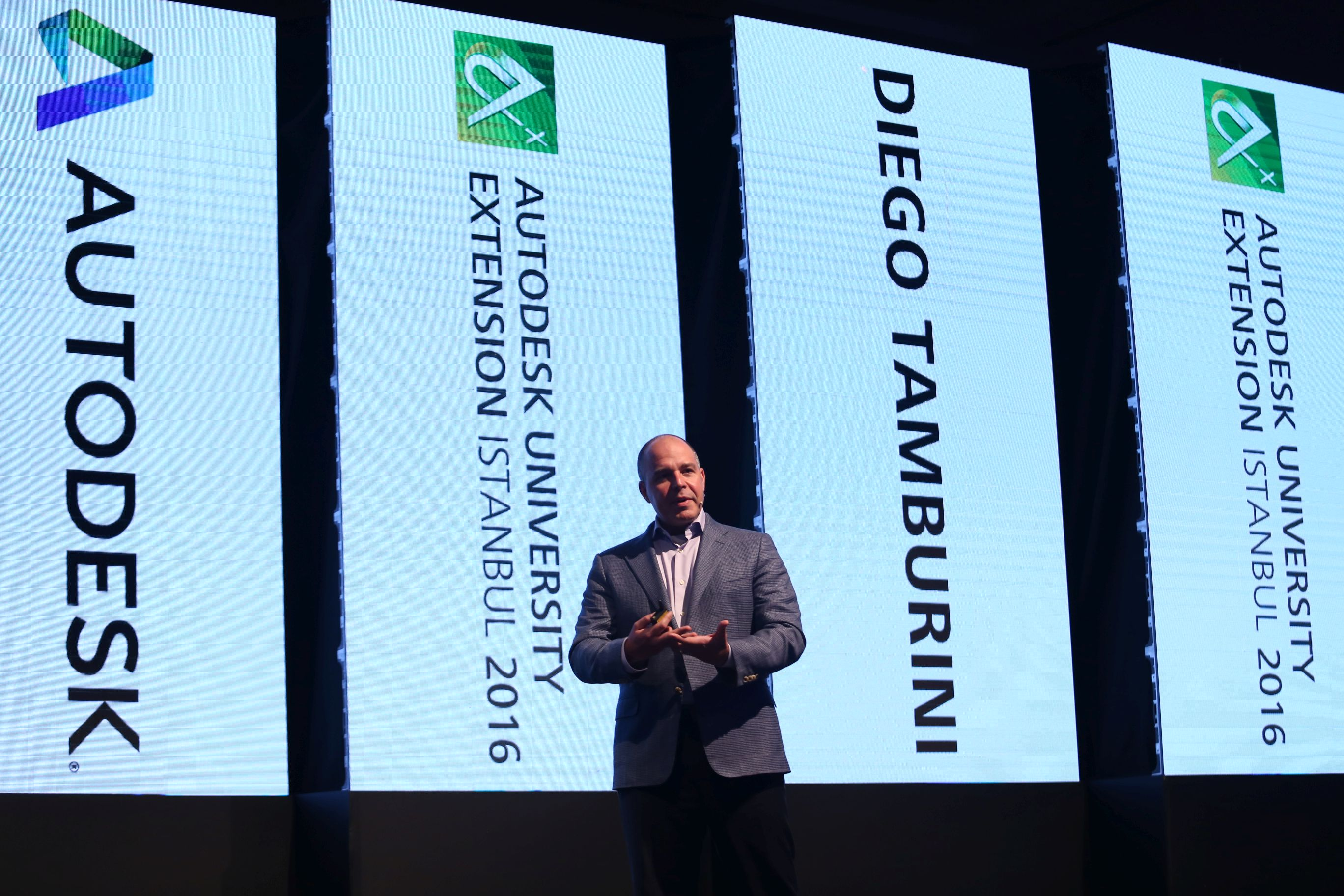 Üretim Endüstrisi Stratejisti Diego Tamburini.