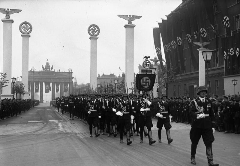 Nazi Almanyasında Hayat üçüncü Reichın Bilinmeyen Yüzünü Gösteren